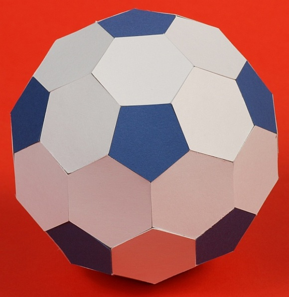Paper Truncated Icosahedron (soccer ball or football) | 596x580